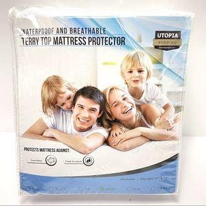 Utopia Bedding 100% Waterproof Mattress Protector